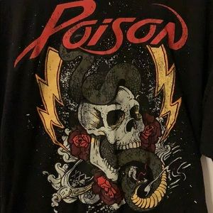 POISON ☠️ ROCK BAND TEE 🎸🔥